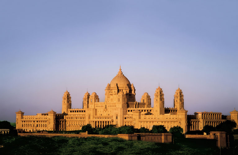 Website: https://taj.tajhotels.com/en-in/umaid-bhawan-palace-jodhpur/